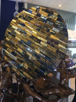 kg-tiger-eye-discwithstand-b