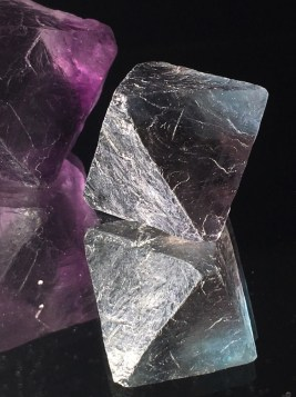 natural-crystal-forms-fluorite-octohedrons-e